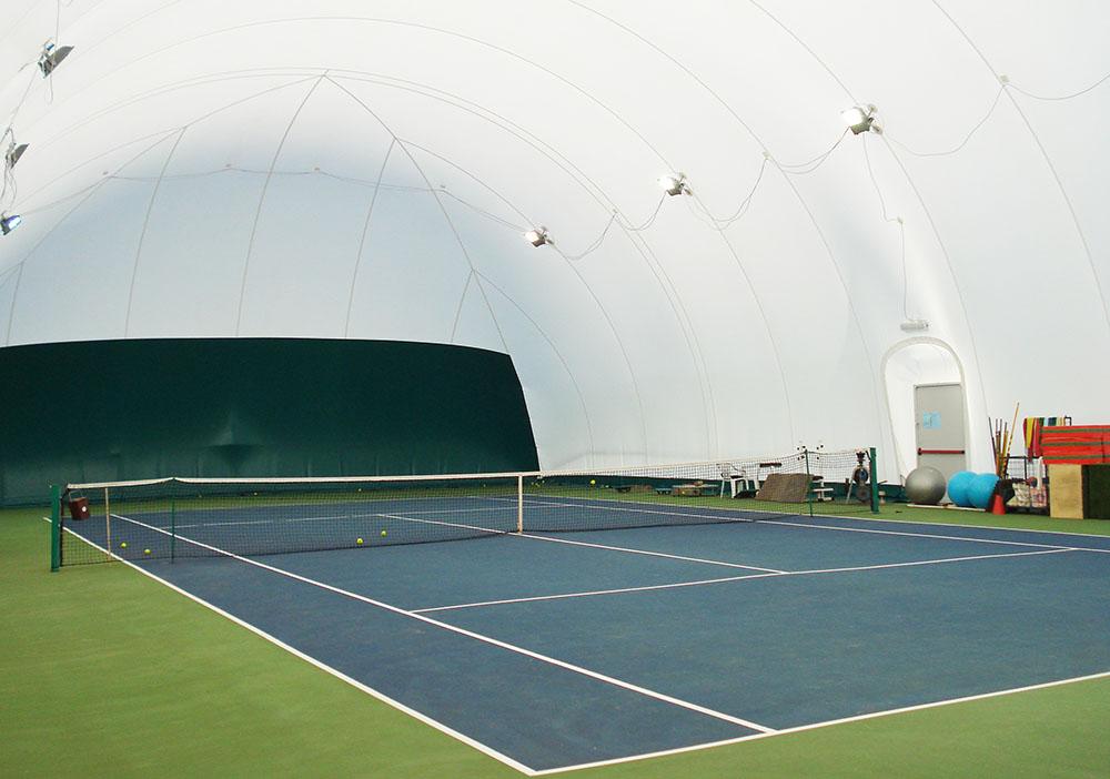 campo tennis sintetico coperto in inverno